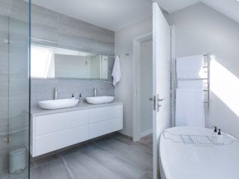 arredo e rivestimenti bagni, esempio bagno bianco