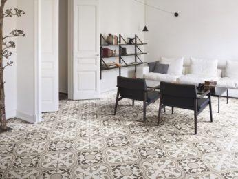 pavimento cementine maioliche quadre decorate in appartamento piacenza