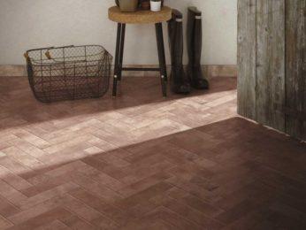 pavimento in cotto con mattonelle a lisca di pesce