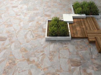 pavimento esterno villa in pietra naturale a piacenza