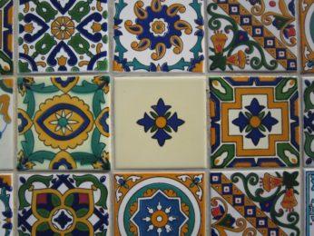 piastrelle marocchine colorate a mano